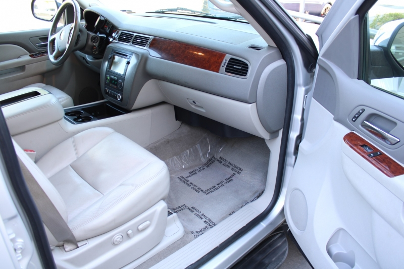 GMC Yukon XL 2010 price $13,995