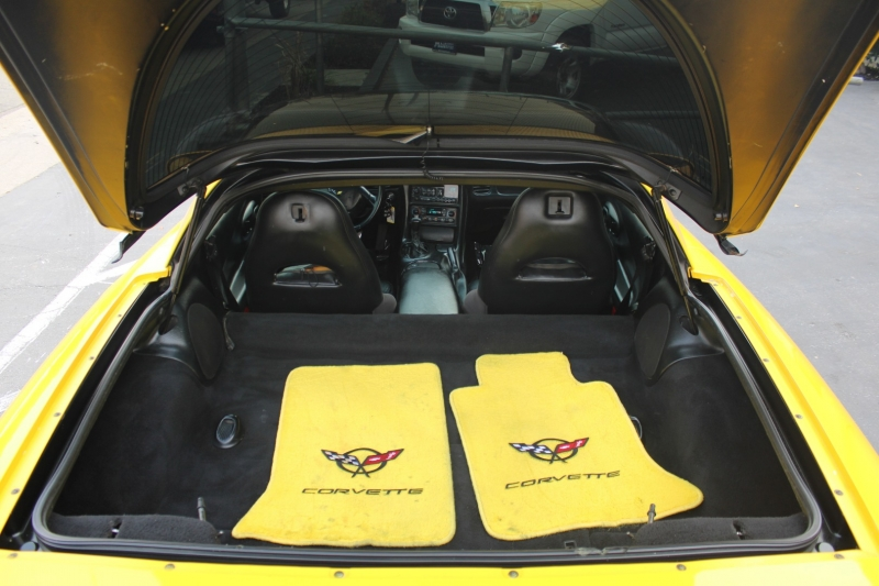 Chevrolet Corvette 2001 price $16,995