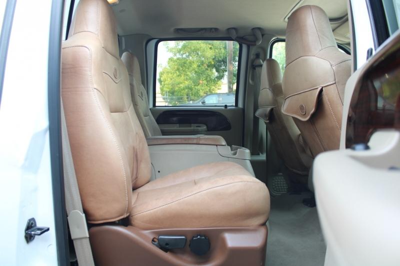 Ford Super Duty F-350 SRW 2005 price $22,995