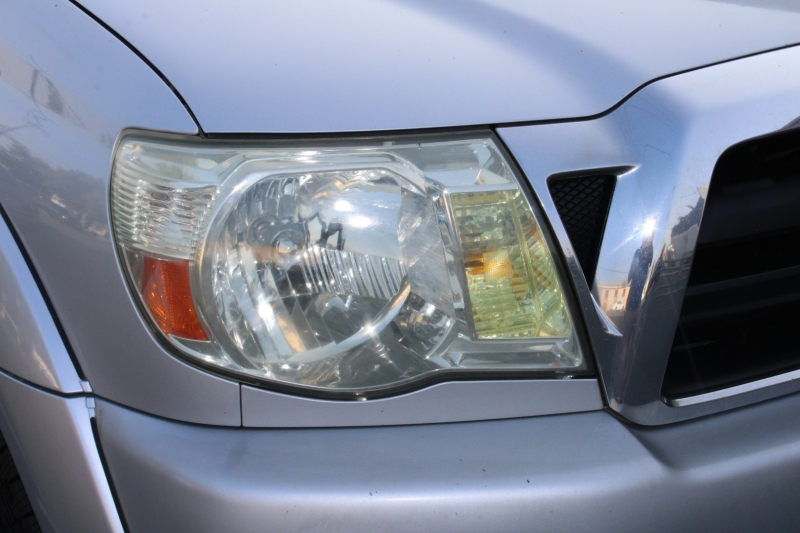 Toyota Tacoma 2006 price $13,995