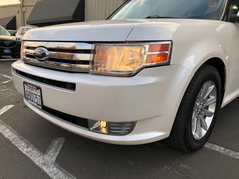 Ford Flex 2009 price $9,995
