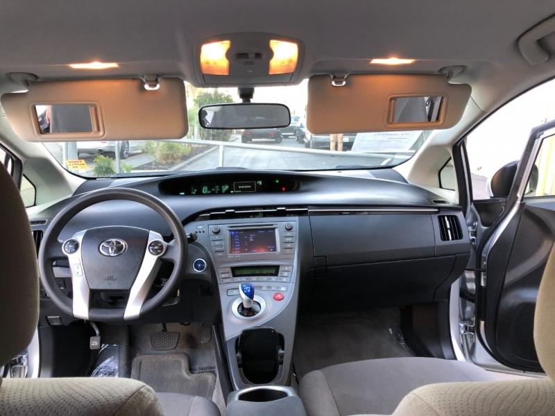 Toyota Prius 2012 price $7,995