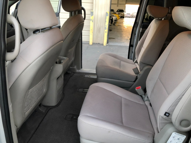 Kia Sedona 2016 price $12,995