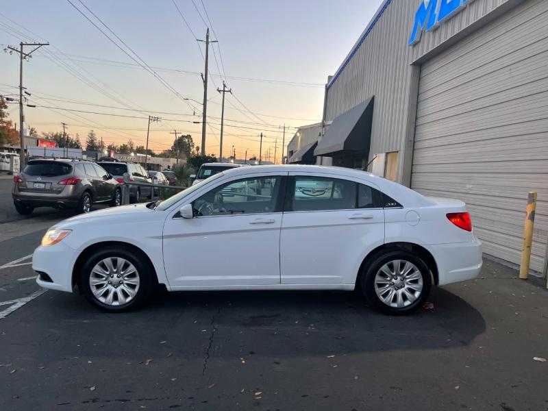 Chrysler 200 2014 price $8,995