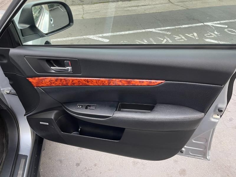 Subaru Outback 2012 price $10,750