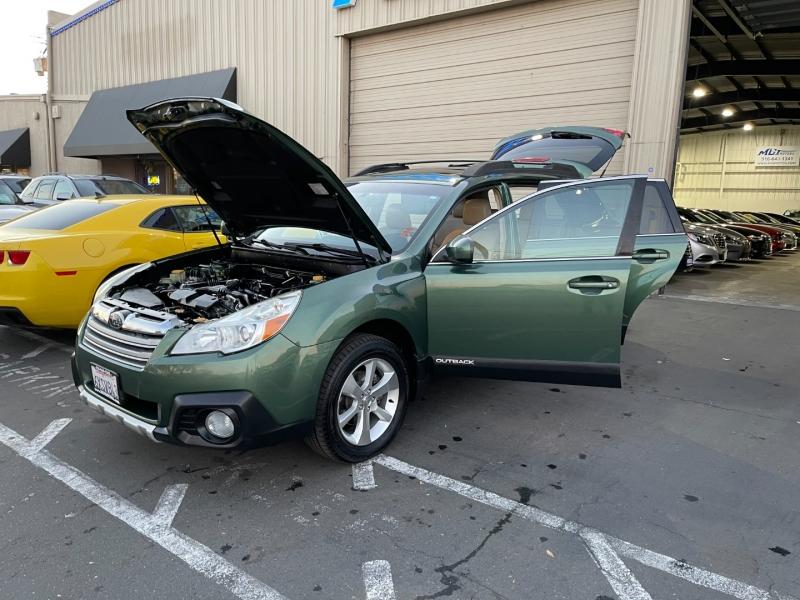 Subaru Outback 2013 price $8,995