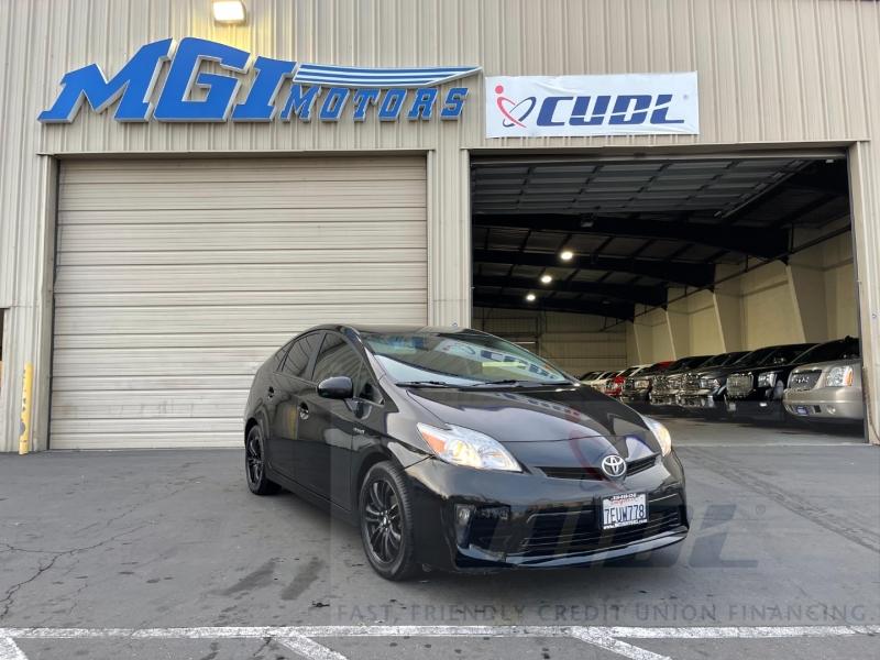 Toyota Prius 2014 price $9,995