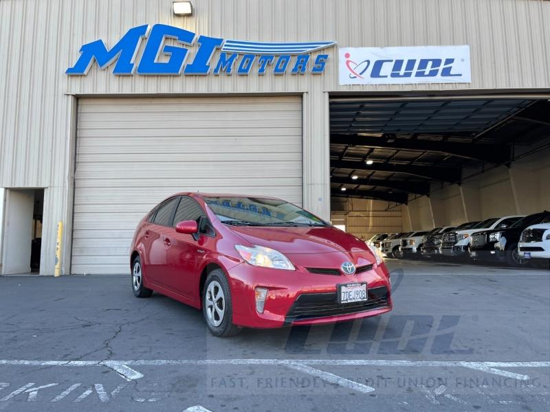 Toyota Prius 2013 price $8,995