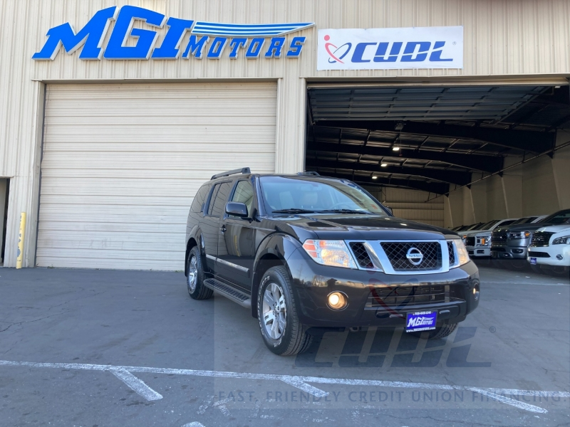 Nissan Pathfinder 2011 price $11,995
