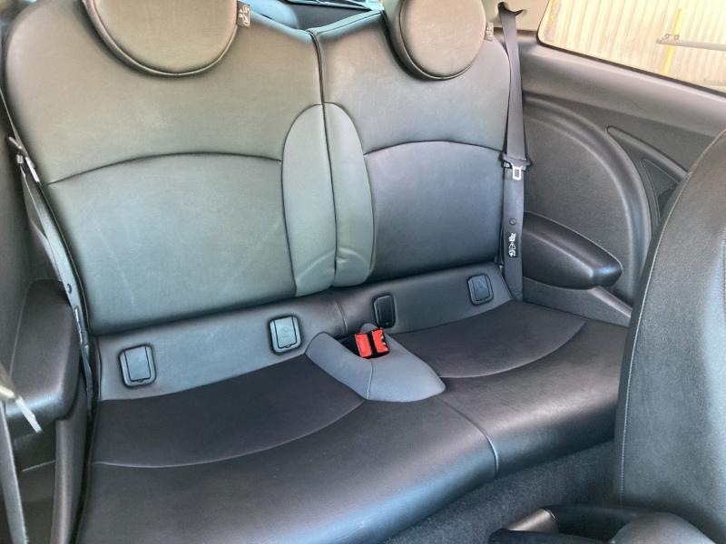 Mini Cooper Hardtop 2010 price $9,995