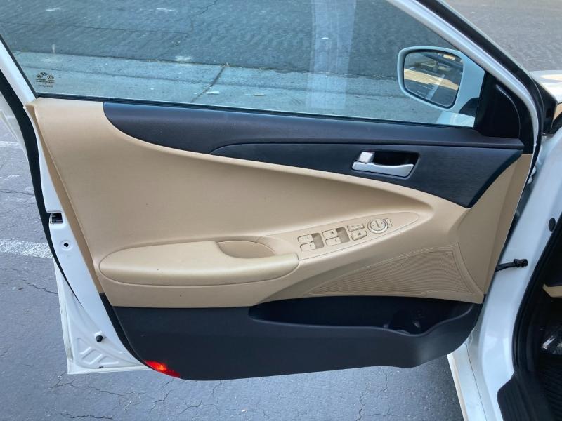 Hyundai Sonata 2013 price $14,995