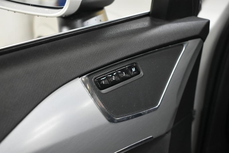 Volvo XC90 2018 price $33,995