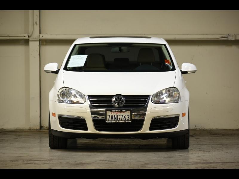 Volkswagen Jetta Sedan 2010 price $10,995