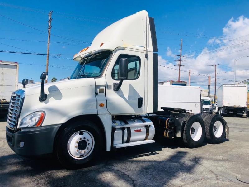 Freightliner CASCADIA 2013 price $31,500