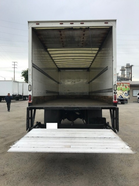 Freightliner M2 106 2013 price $32,500