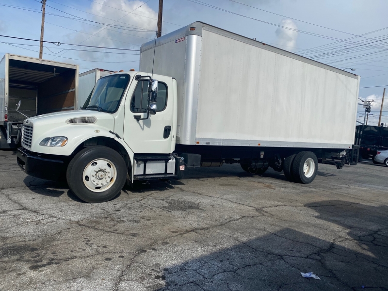 Freightliner M2 106 2014 price 38,000
