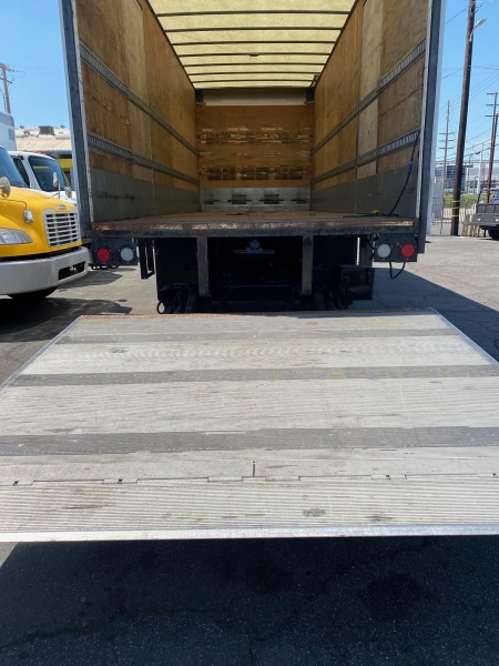 Freightliner M2 106 2014 price $32,500