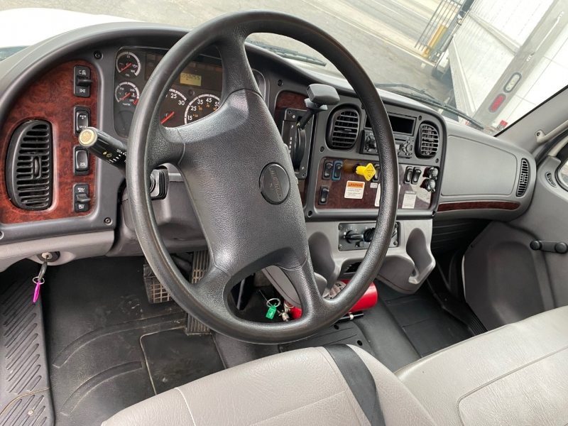 Freightliner Business Class M2 106 2015 price $44,500