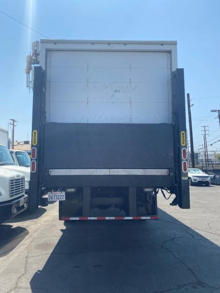 Freightliner M2 106 2015 price $45,000