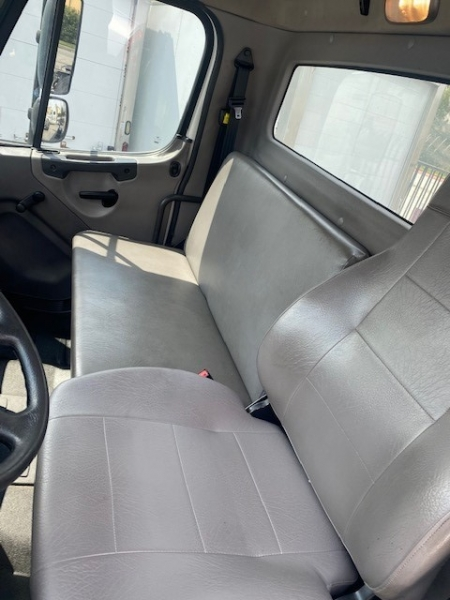 Freightliner M2 106 2018 price $58,500