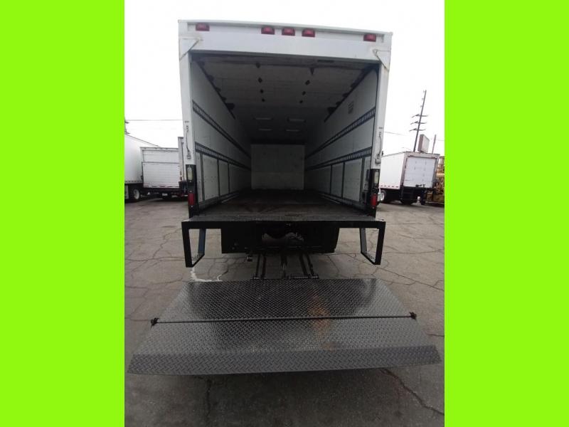 Freightliner M2 106 2015 price $52,000