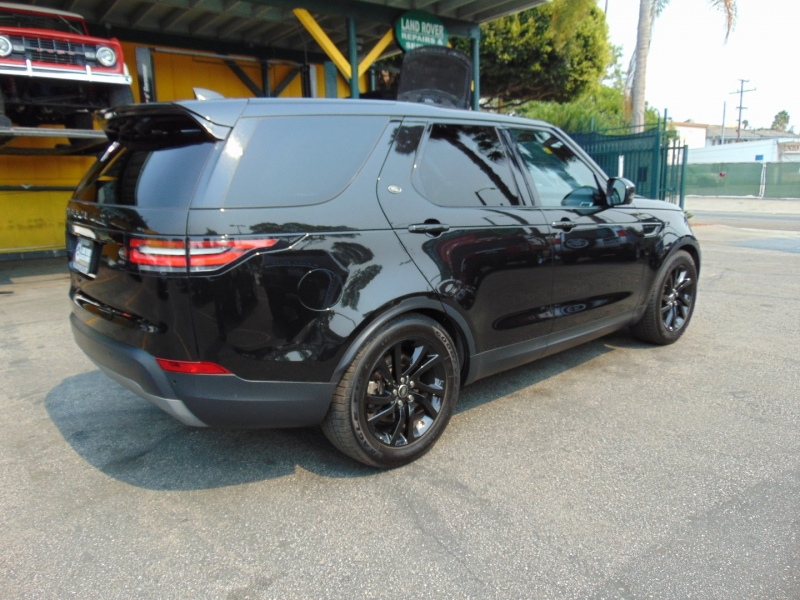 Land Rover Discovery 2017 price $40,995