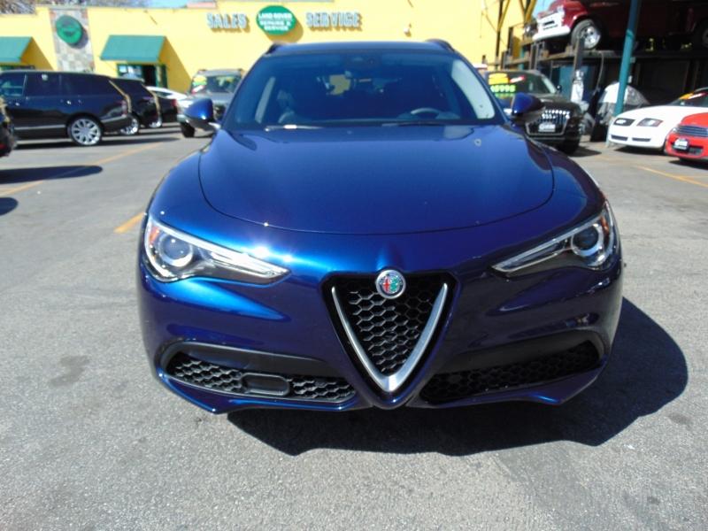 Alfa Romeo Stelvio 2018 price $27,995