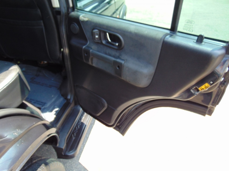 Land Rover Discovery 2004 price $14,995
