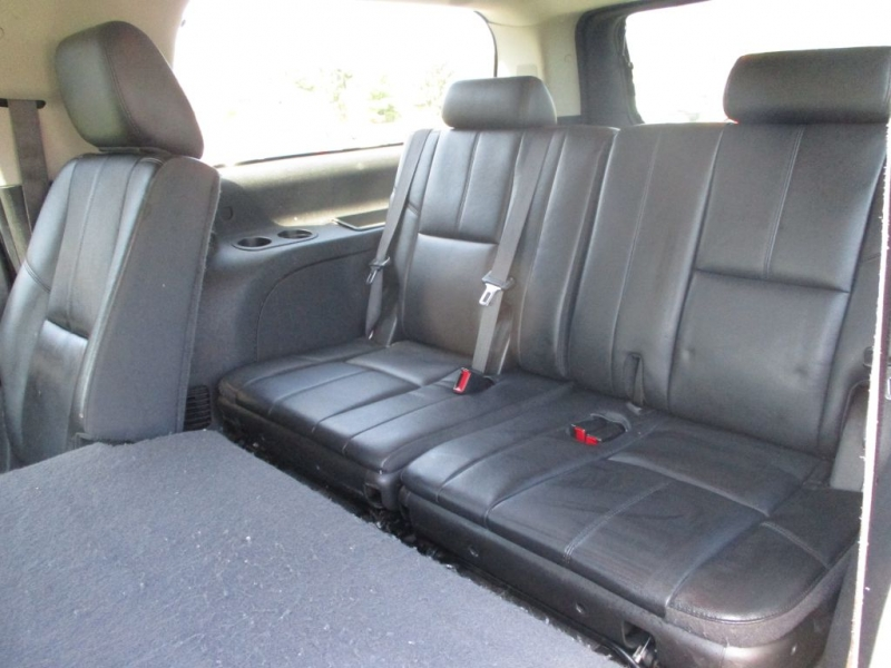 CHEVROLET SUBURBAN 2014 price $19,995