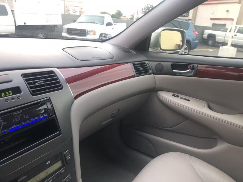 Lexus ES 300 2003 price $5,490