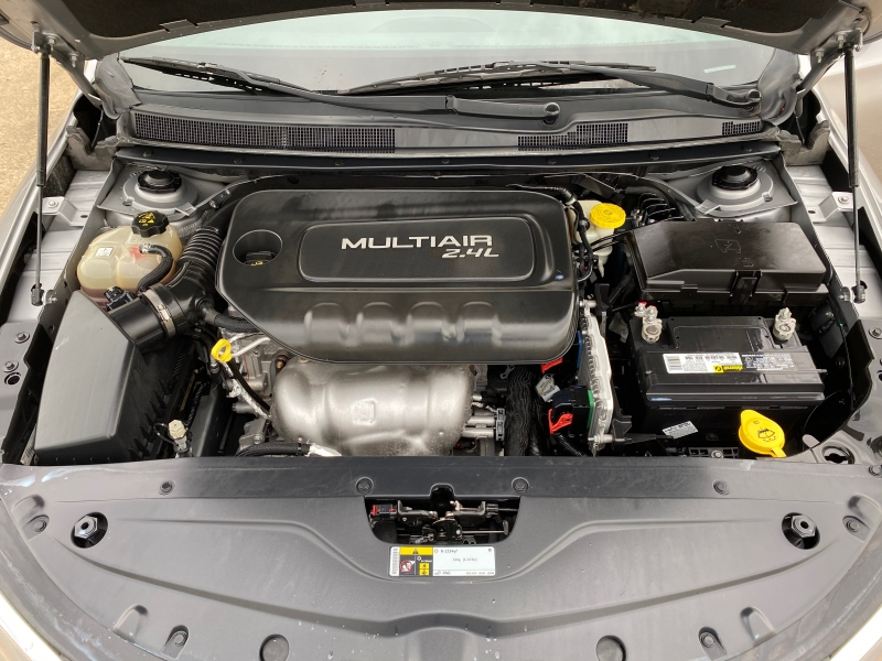 Chrysler 200 2015 price $8,999