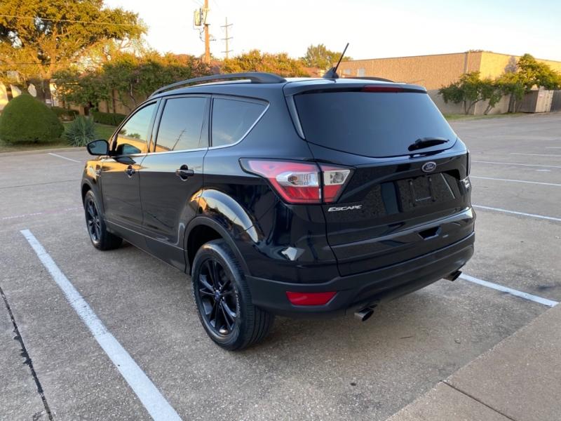 Ford Escape 2018 price $15,999