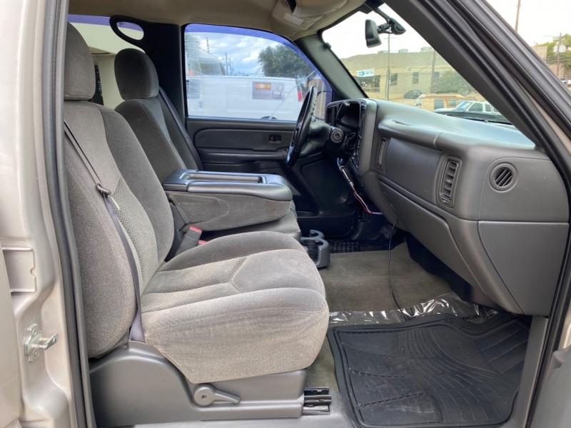 Chevrolet Silverado 3500 2006 price $9,999