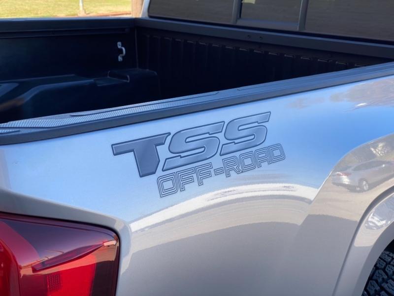 Toyota Tacoma 2WD 2019 price $28,999