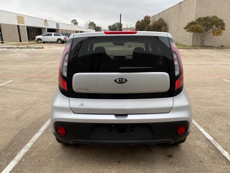 Kia Soul 2018 price $9,499
