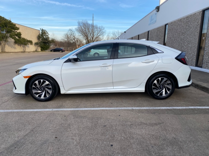 Honda Civic Hatchback 2019 price $16,999