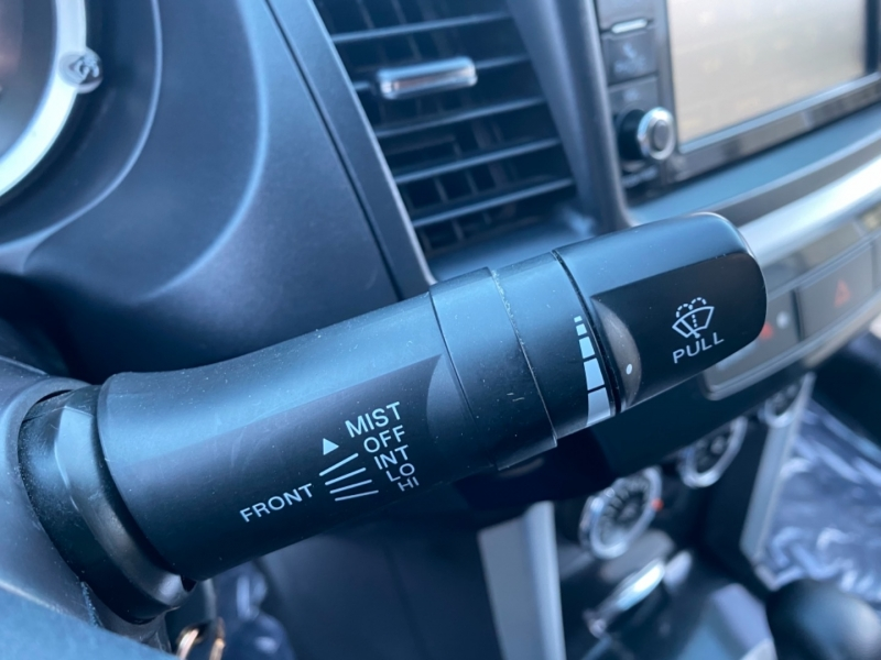 Mitsubishi Lancer 2017 price $8,999