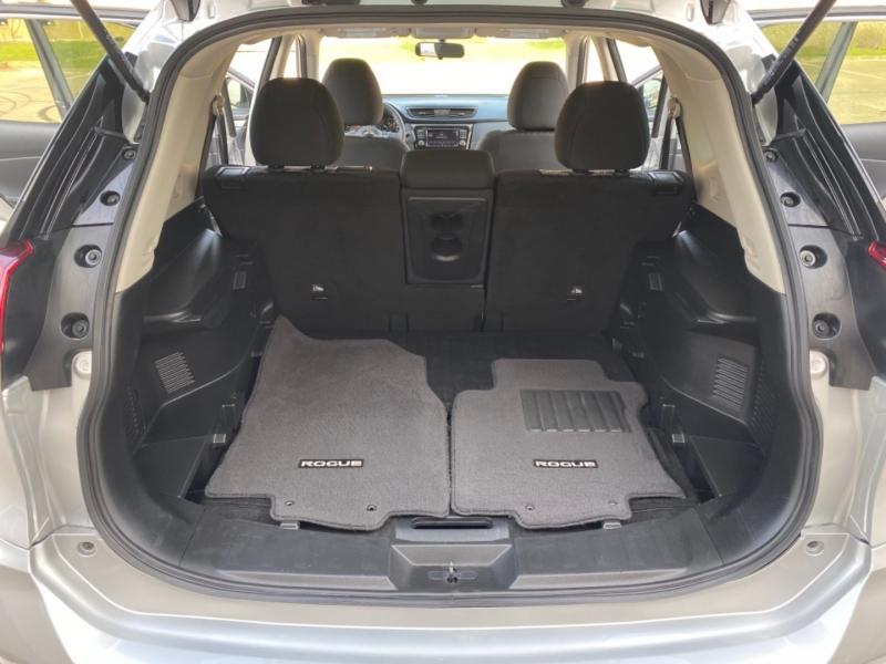 Nissan Rogue 2018 price $15,499