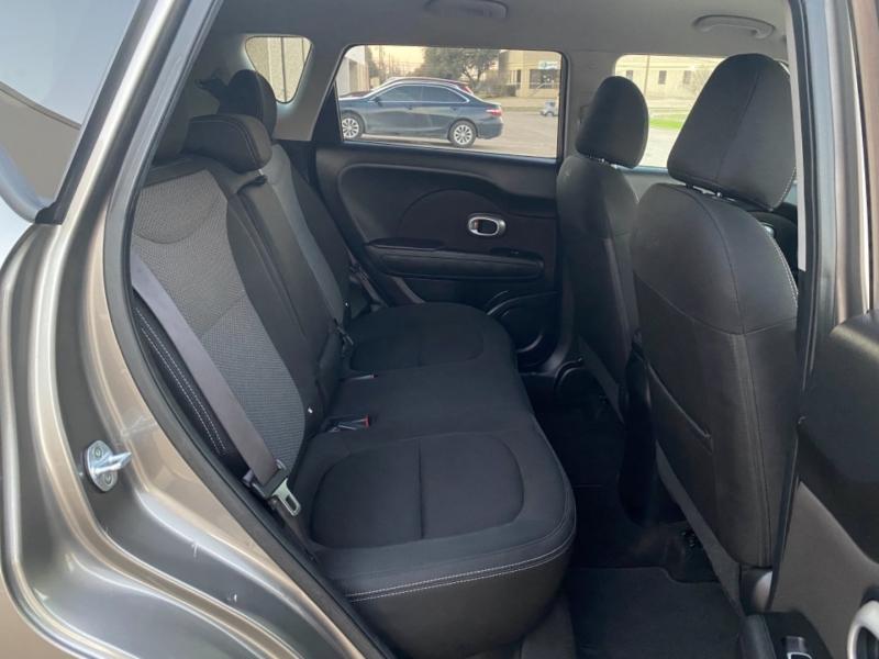 Kia Soul 2018 price $10,999