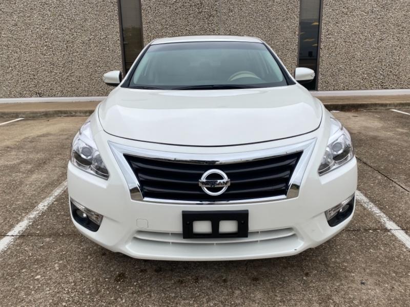 Nissan Altima 2015 price $13,999