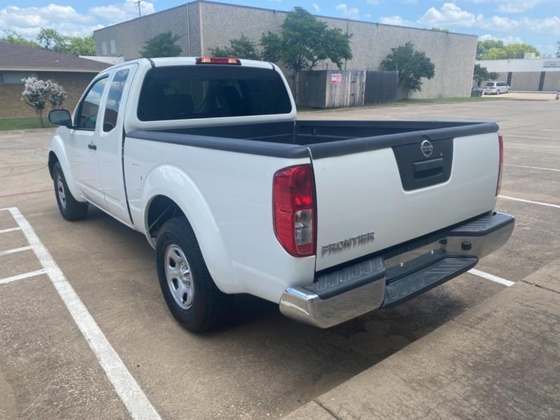 Nissan Frontier 2016 price $15,999