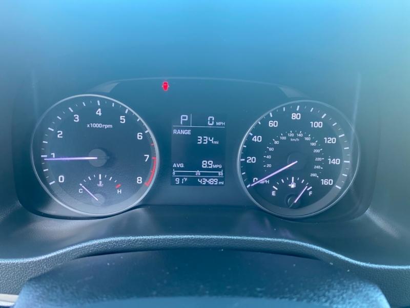 Hyundai Elantra 2017 price $12,499