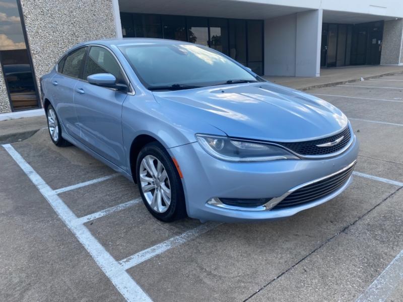 Chrysler 200 2015 price $10,999