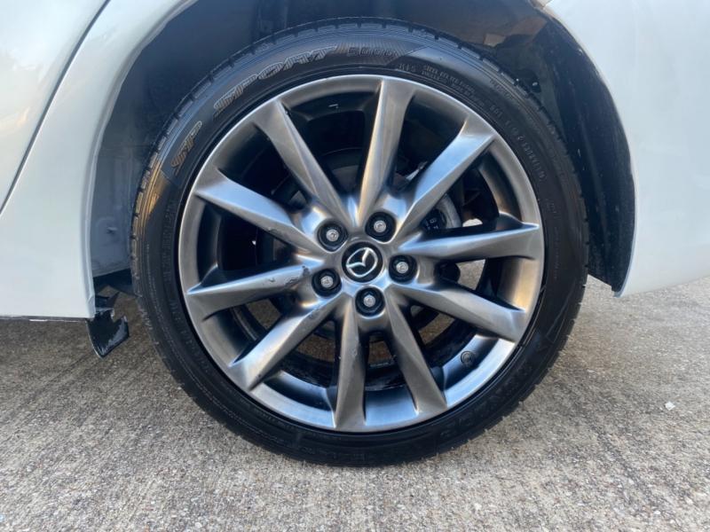 Mazda Mazda3 5-Door 2018 price $16,999