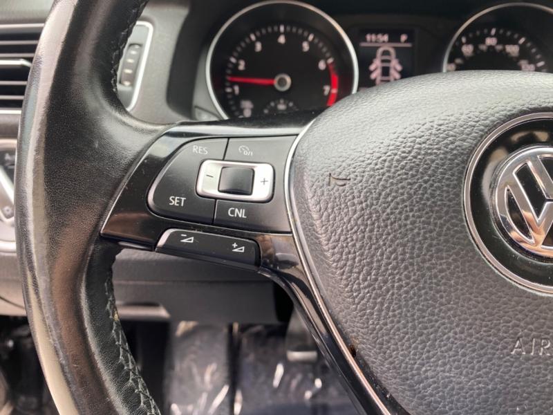 Volkswagen Passat 2017 price $17,999
