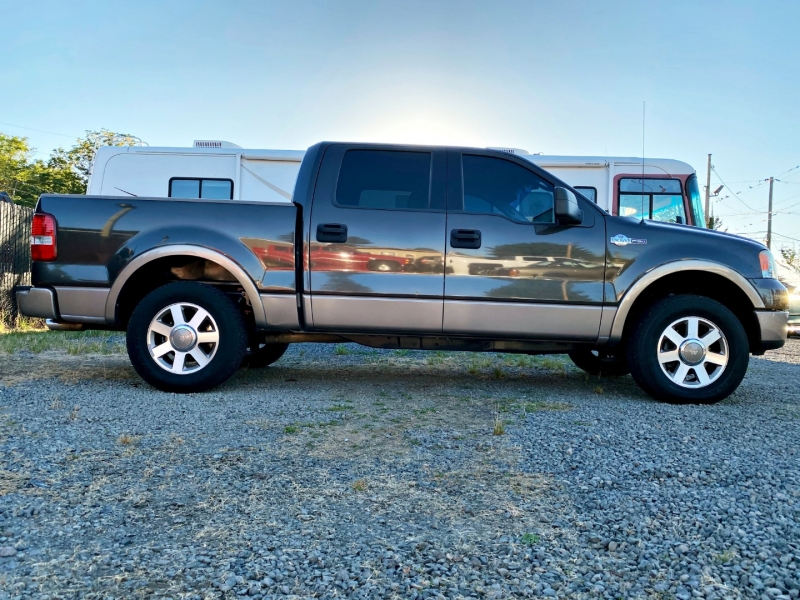 Ford F-150 2005 price $8,899
