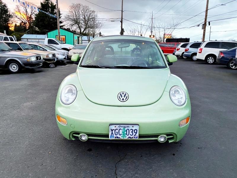 Volkswagen New Beetle 2000 price $2,499