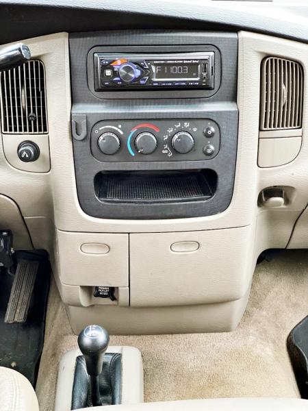 Dodge Ram 2500 2003 price $17,995