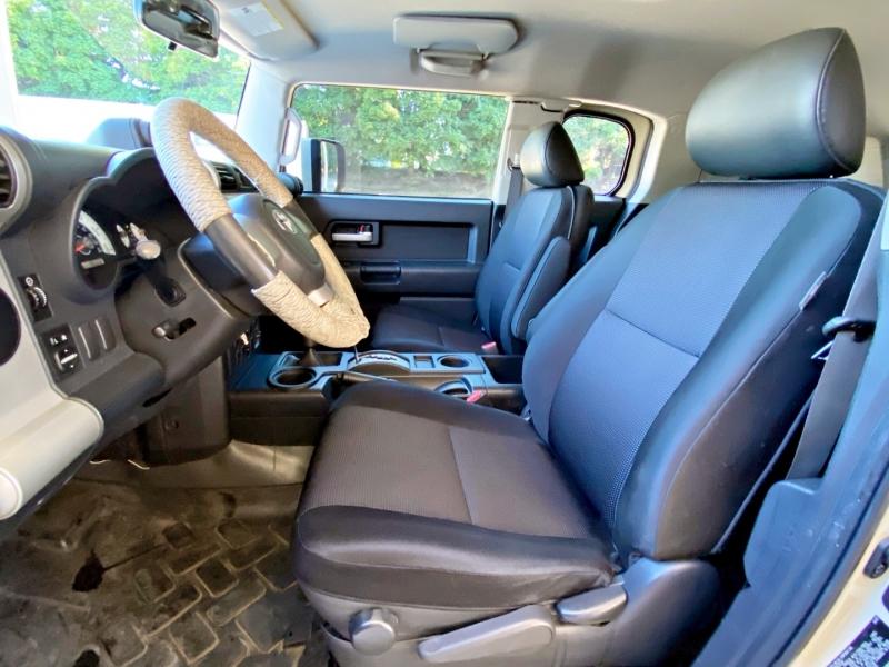 Toyota FJ Cruiser 2008 price $17,995