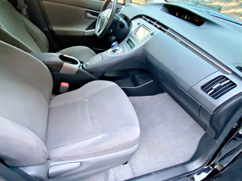 Toyota Prius 2013 price $7,995